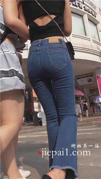 【已补档】街拍性感的紧身牛仔裤宽臀美眉