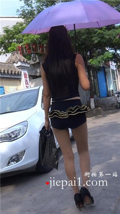 超短热裤美腿肉丝高跟鞋美女,腿腿令人受不了。