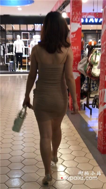 4K - 跟拍性感裹臀裙超棒身材高跟鞋美女