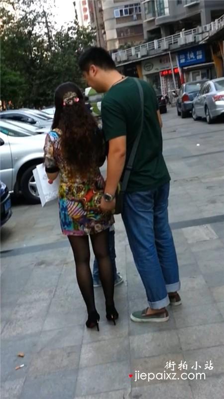 花裙性感黑丝极品少妇