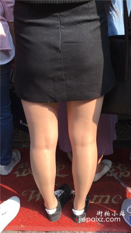街拍包臀裙肉丝美腿美女