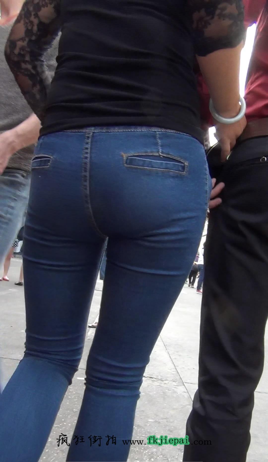 [牛仔裤] 大PP包臀紧牛仔少妇一枚
