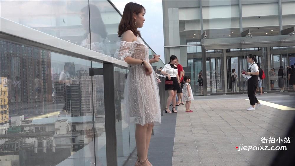 4K - 连衣裙美女没脚丫,绝对堪称人间极品 [1.32 GB/avi]