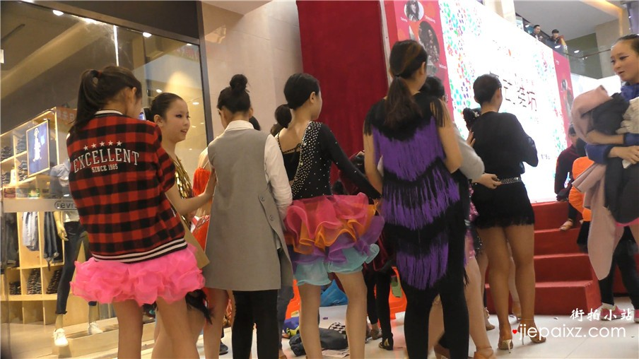 4k-极品豹纹高跟凉鞋美女舞蹈演员