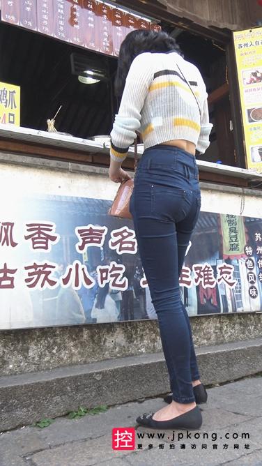 [泉眼大师] 超紧身牛仔裤大美女太迷人了[2.5G] 编号:C272
