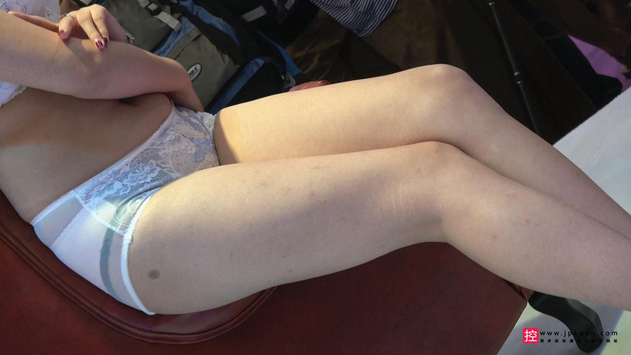 [内衣展] 4K-丰满身材坚挺大胸美女模特内衣秀[856M/MP4]