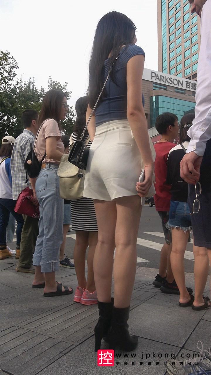 [热裤短裤] 4K-极品白短裤街拍美女DJ229[1.51G]
