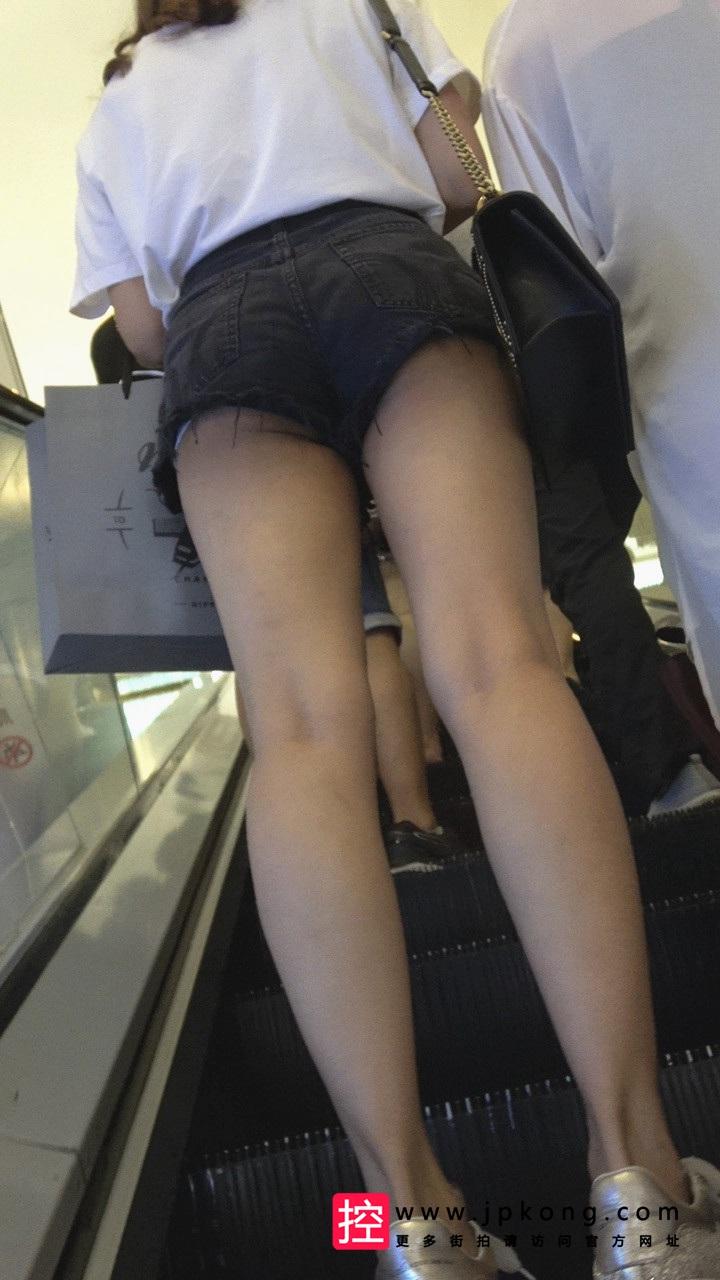 [热裤短裤] 4K-四个白皙MT圆润翘臀牛仔热裤美眉M037[991M]