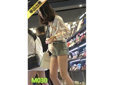 [热裤短裤] 4K-买衣服的绿色热裤圆润翘臀极品长腿美女M030[479M]