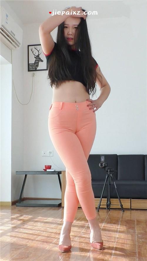 [可可] 可可粉色紧身裤慢摇正面竖版 [454 MB/MP4]