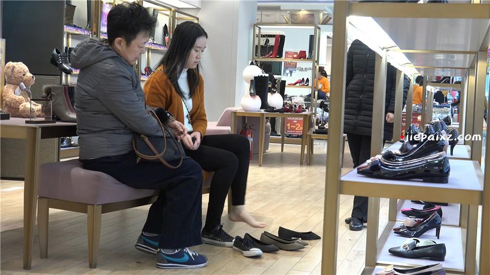 4K - 阳春白雪嫩白玉足女子 [4.09 GB/MP4]