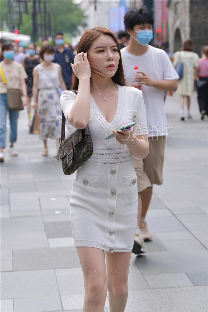 [摄神] 20613-2+55/白皙美胸美腿美少妇 -14P