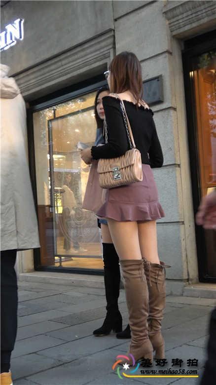 4K-街拍两个包臀短裙肉色丝袜性感美女[MP4/705M]