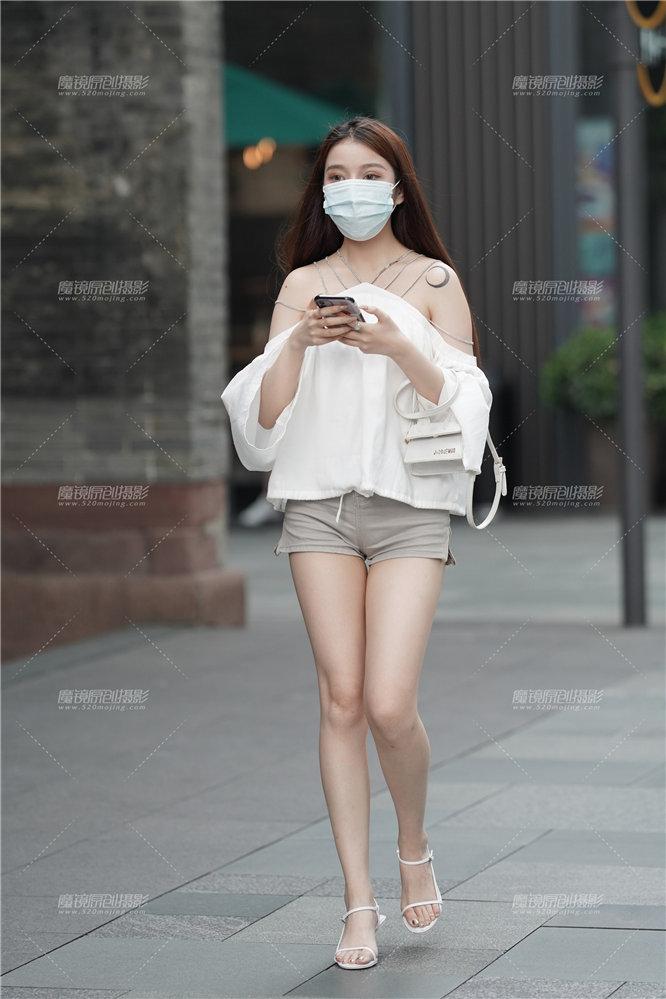 [街拍热裤系列] 【凯恩赛贴】青春靓丽的女神